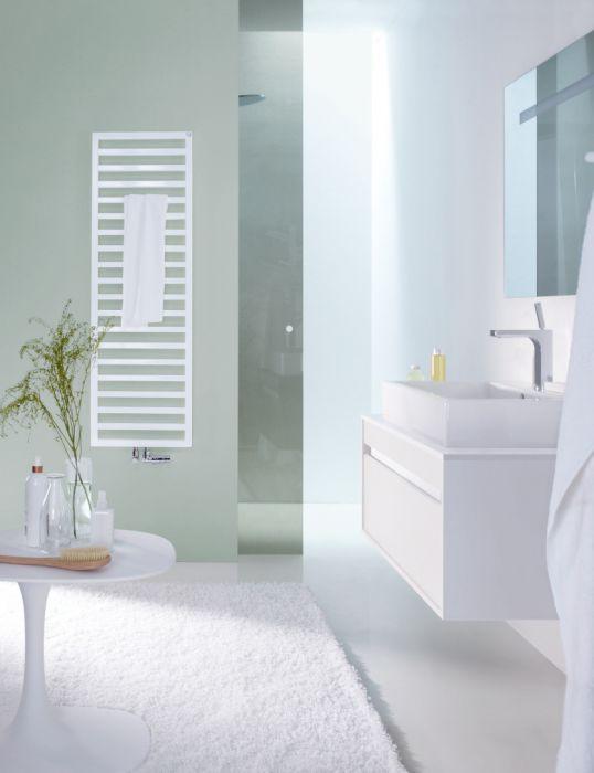 Grzejnik łazienkowy Quaro QA 140-045 1403 x 450 x 90 mm 590 W przyłącze S012 0521 white quartz